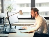 8 simple ways to stay healthy at work