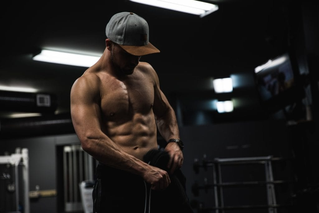 5 Essential Muscle Building Tips For Guys In Their 20's | LEP Fitness