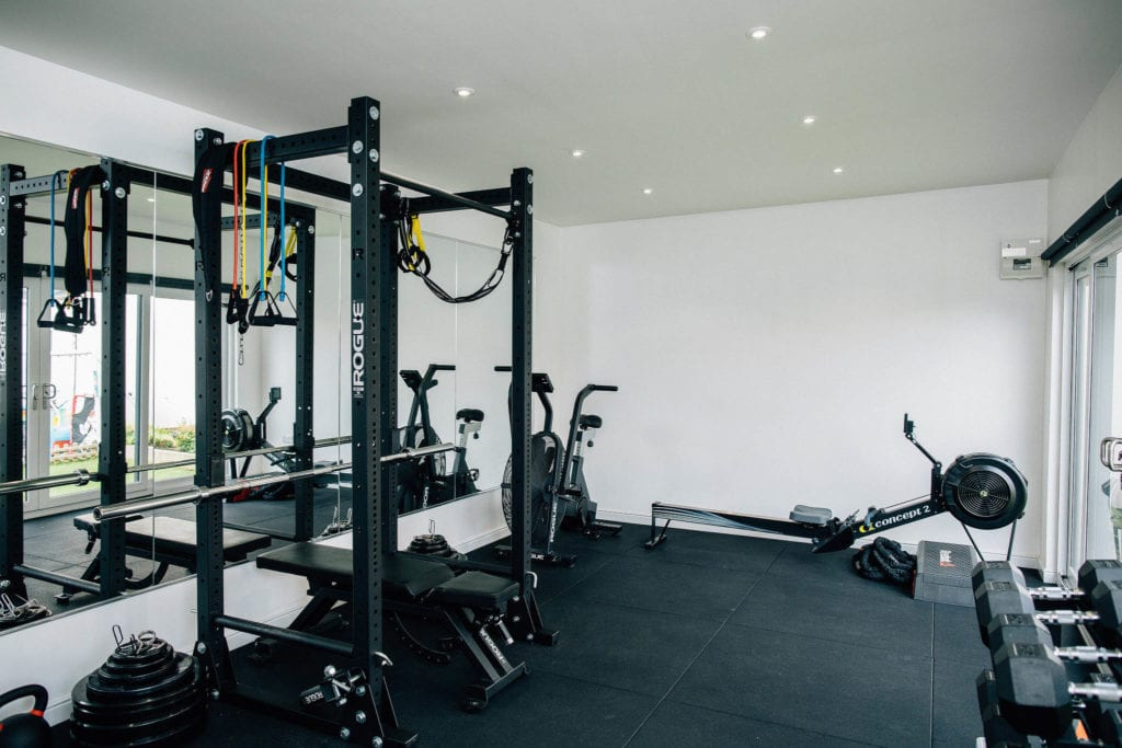 Home Gym vs Gym Membership: Which is best for you?
